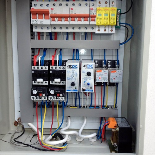 94 Eccleston control panel